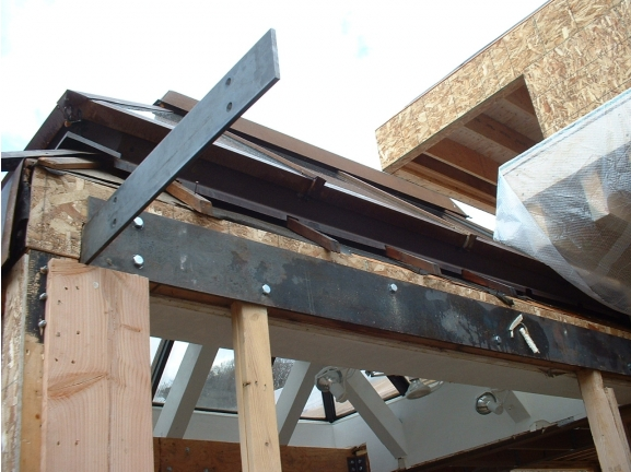 Steel Roof Bracket