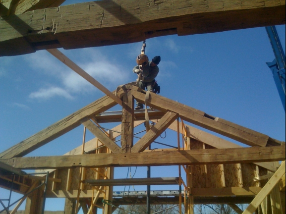 Timber roof truss